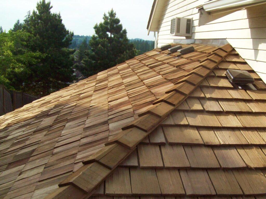 Cedarwood Shake Shingles Roof